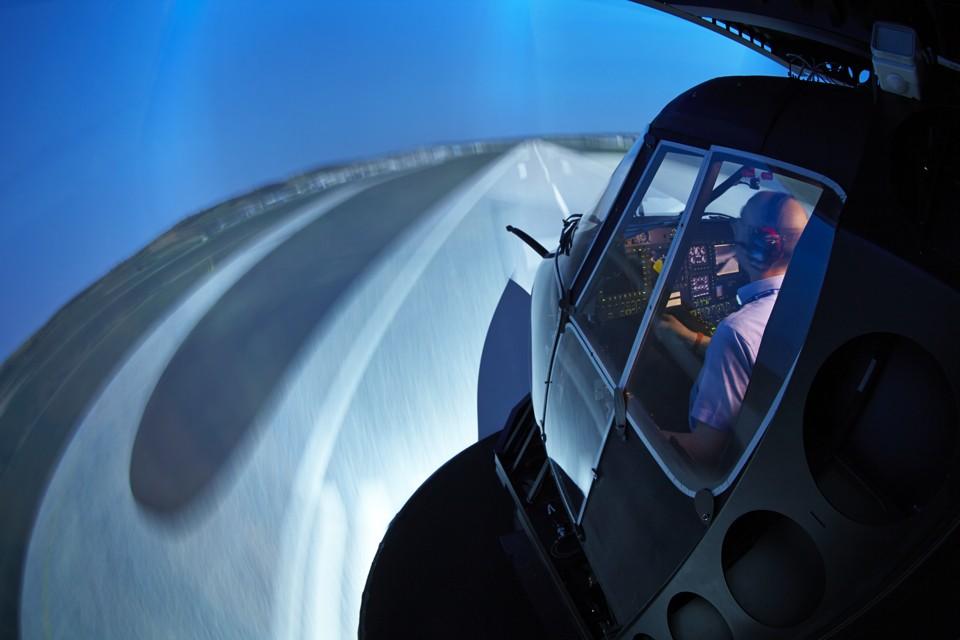 Eurocopter Aberdeen EC225 flight simulator in service