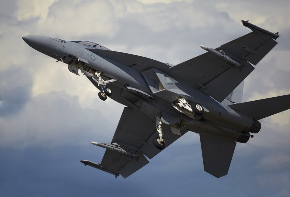 McDonnell Douglas F/A-18 Hornet banking