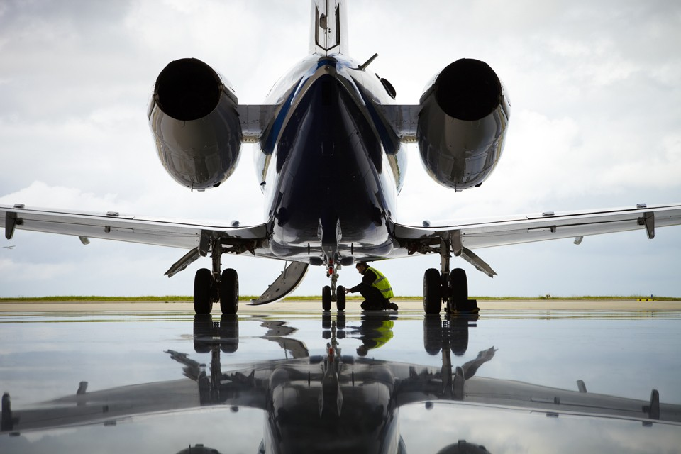 Hawker 900XP Biggin Hill Rizon Hangar