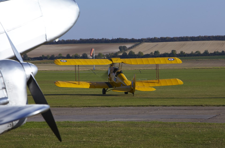 De Havilland Tiger Moth taxi