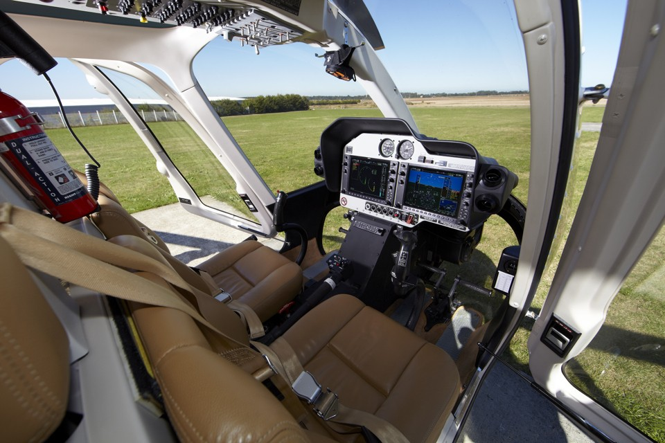 Bell 407 GX Cockpit
