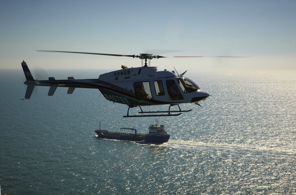 Air to air Bell 407