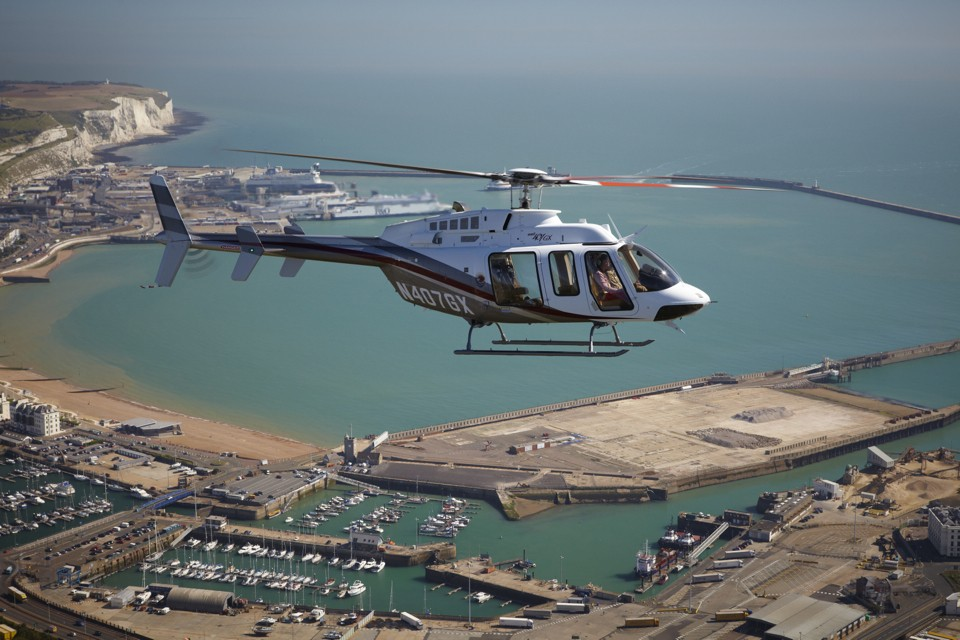 Bell 407 GX Dover Air to air