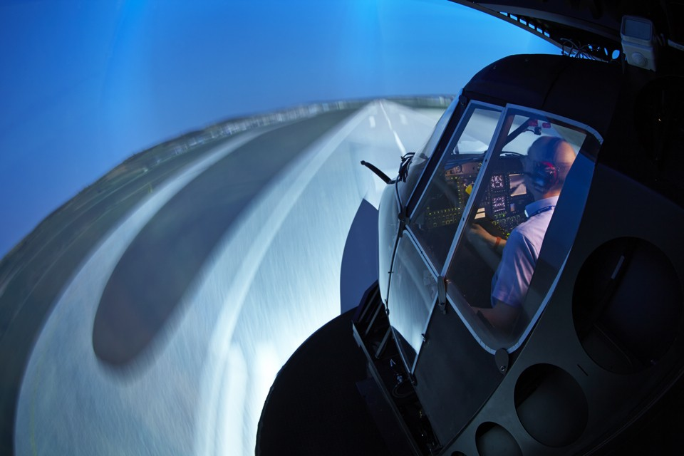 Eurocopter Aberdeen EC225 flight simulator in service