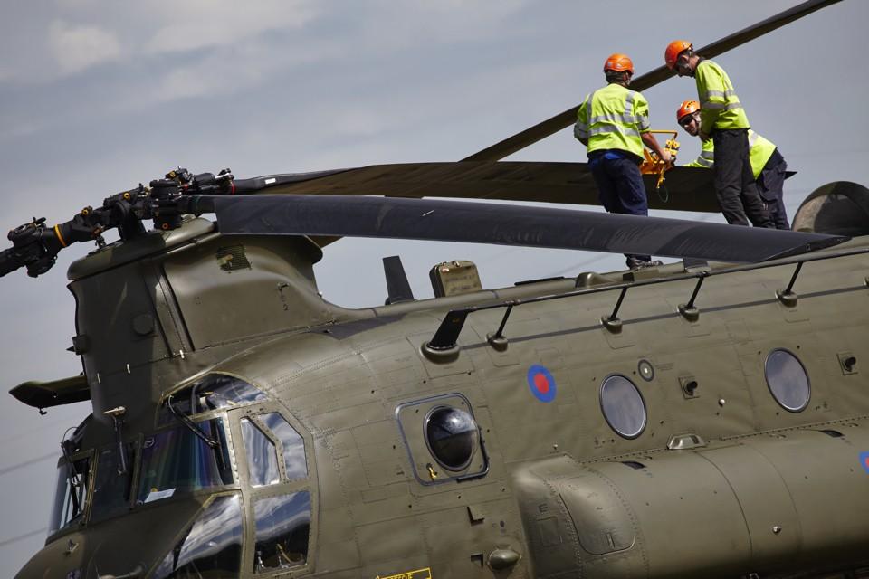 Vector Aerospace Chinook blade inspection
