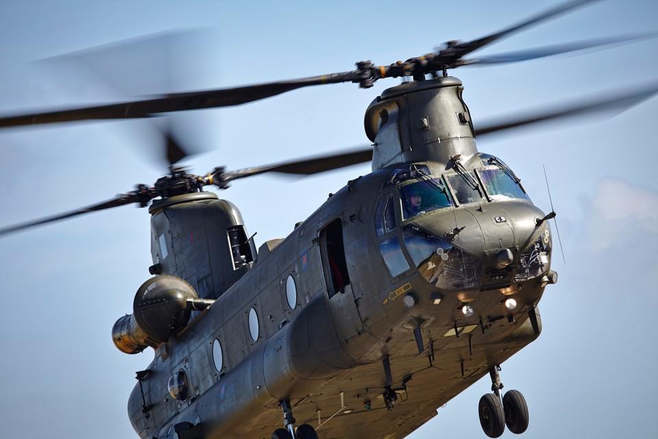Vector Aerospace Chinook flypast