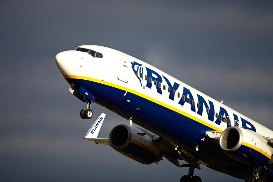 Ryanair 737 Bristol Airport