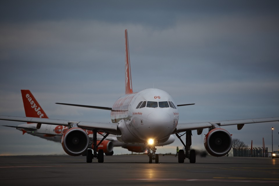 Airbus A319 easyJet Arriving